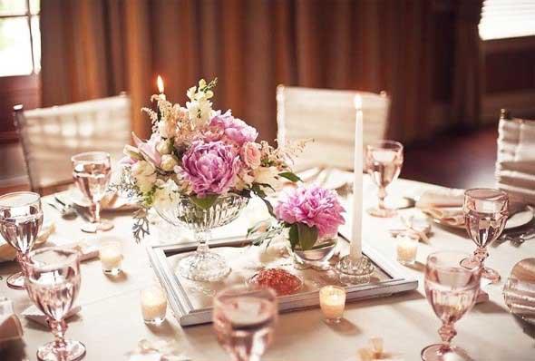 Velas e taças para decorar mesa de jantar 015
