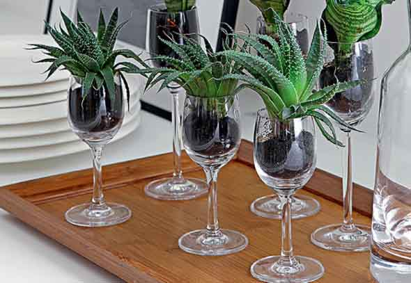 Velas e taças para decorar mesa de jantar 016