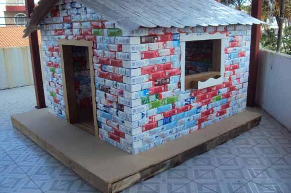 Brinquedos de material reciclado para o Dia das Crianças 013