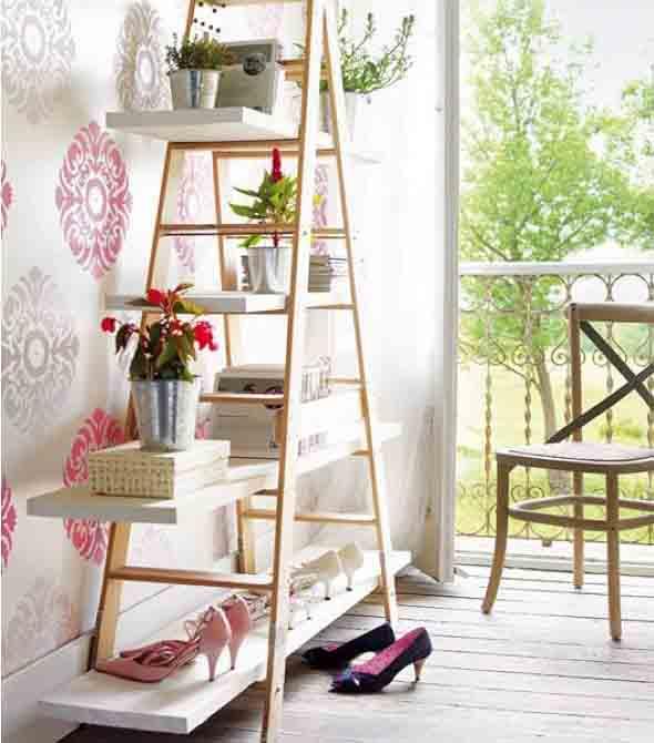 Estantes e prateleiras com escadas 004