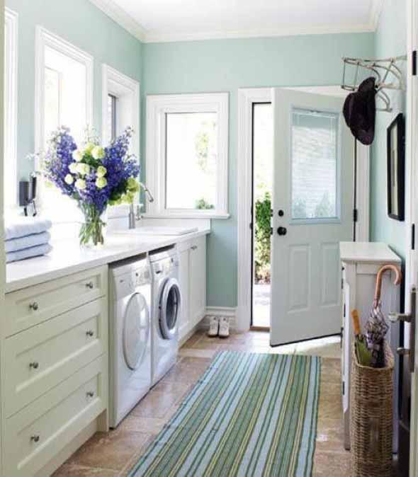 Lavanderia pequena e muito funcional 003