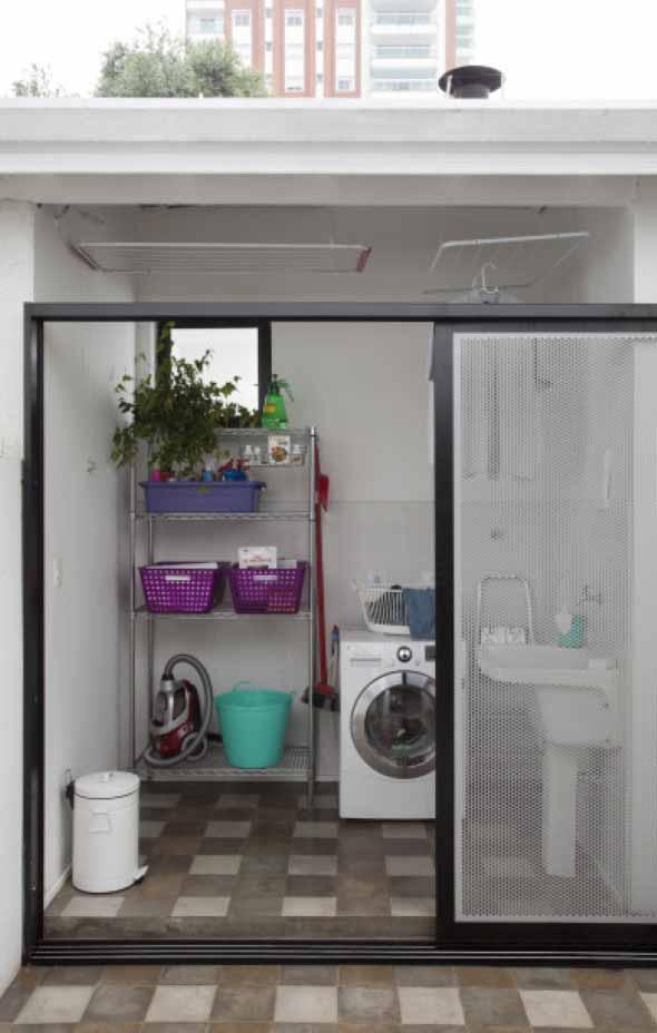 Lavanderia pequena e muito funcional 019