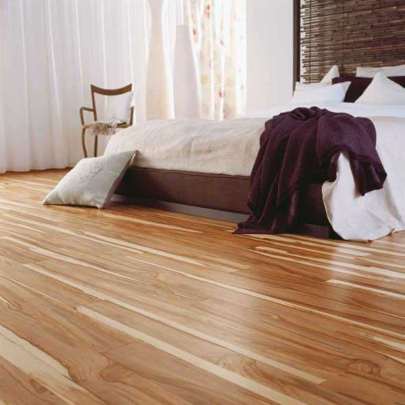 Quarto com piso de madeira 005
