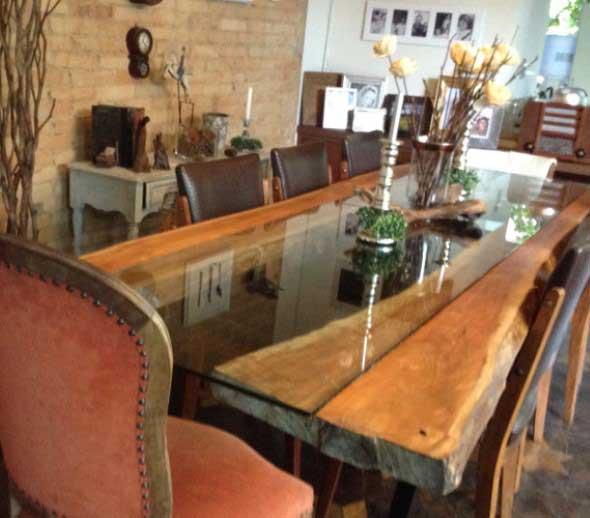 Mesa rústica na decoração da sala de jantar 012