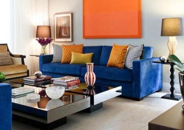 Sala com decoração multicolorida 008