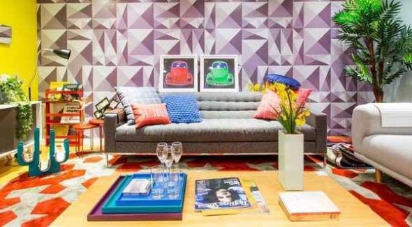 Sala com decoração multicolorida 010