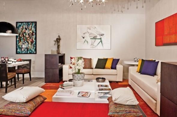 Sala com decoração multicolorida 013