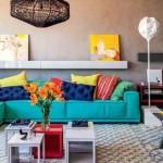 Sala com decoração multicolorida 018