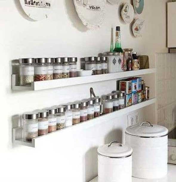 Cozinha com porta temperos 012