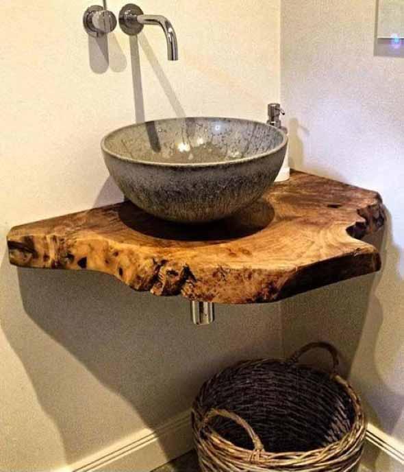 Madeira rústica na decoração do banheiro 001