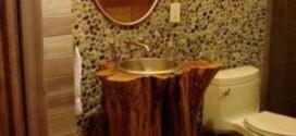 Madeira rústica na decoração do banheiro