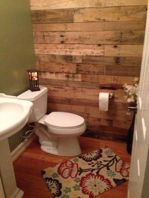 Madeira rústica na decoração do banheiro 017