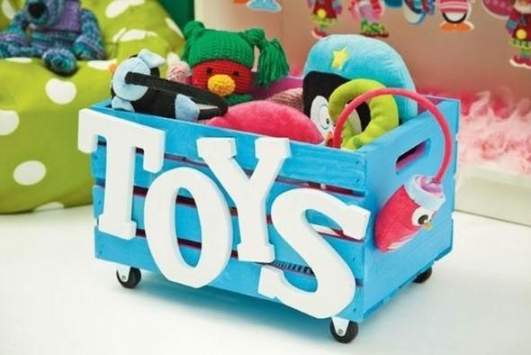 Caixotes de feira no quarto das crianças 001