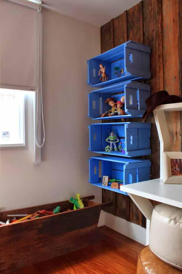 Caixotes de feira no quarto das crianças 013