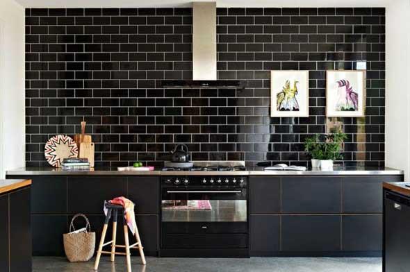 Dicas para decorar cozinhas preto e branco 011