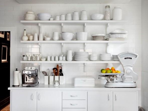 Utensílios de cozinha nas paredes 017