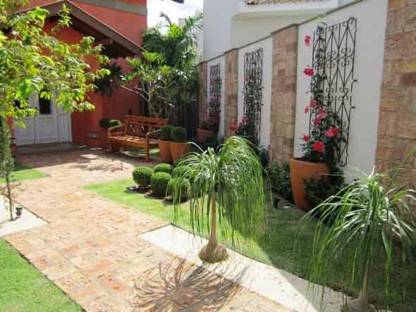Jardim vertical no corredor 015
