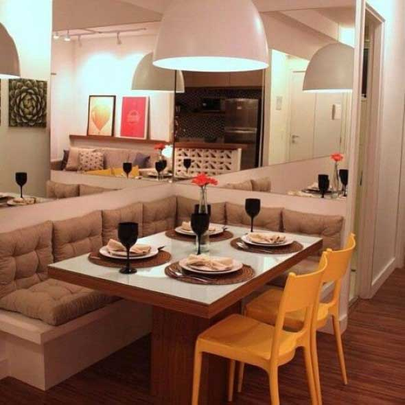 Poltronas e sofás na sala de jantar 001