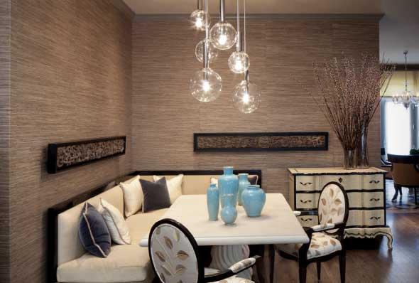 Poltronas e sofás na sala de jantar 004