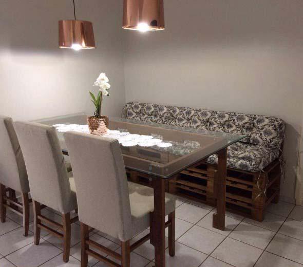 Poltronas e sofás na sala de jantar 017